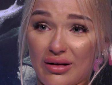 Emmy confiesa que su padre maltrataba a su madre