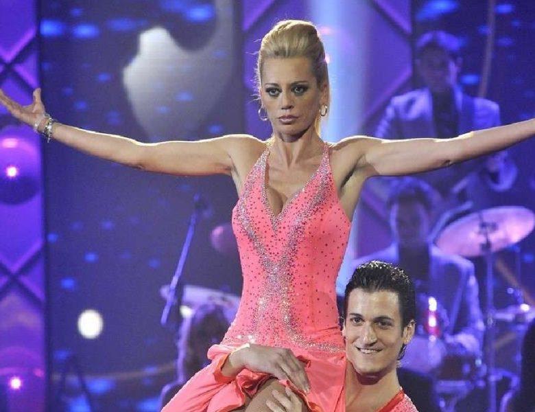 Belén Esteban cuenta como bailaba drogada en «Mas que baile»